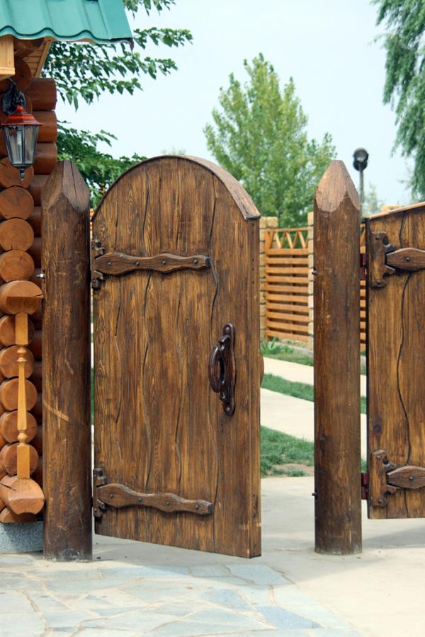 Заборы калитки из дерева