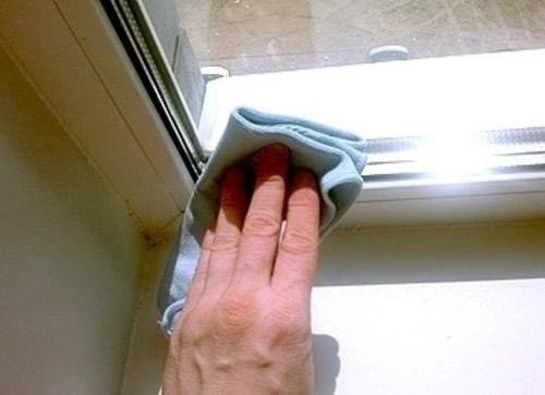 Чем очистить пластиковый подоконник в домашних условиях 835